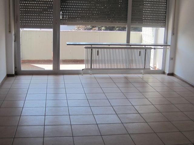 immobilien l rrach brombach supersch ne helle 3 zi wohnung m ebk bad m wanne balkon garage. Black Bedroom Furniture Sets. Home Design Ideas