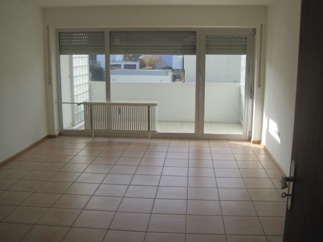 immobilien l rrach brombach attraktive 3 zi wohnung m ebk balkon garage in zentraler lage. Black Bedroom Furniture Sets. Home Design Ideas